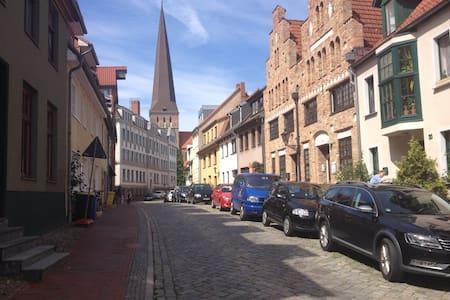 Gemütliche Altstadtwohnung - Rostock - Lejlighed