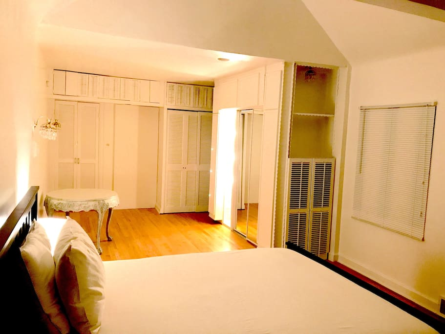 So sieht dein Gästezimmer möbliert aus // This is what your guest room looks like when it's furnished