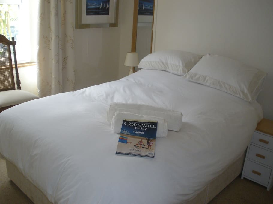Double room.  There is also a second bedroom with either twin beds or super king bed