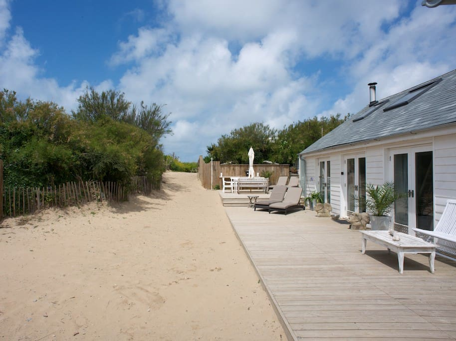 Total privacy with direct access to the beach.