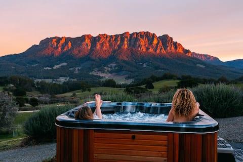 Eagles Nest I Honeymoon Stay-spas & mountain views