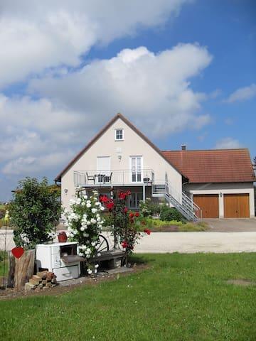 Ruhige Ferienwohnung in Einzellage bei Dinkelsbühl
