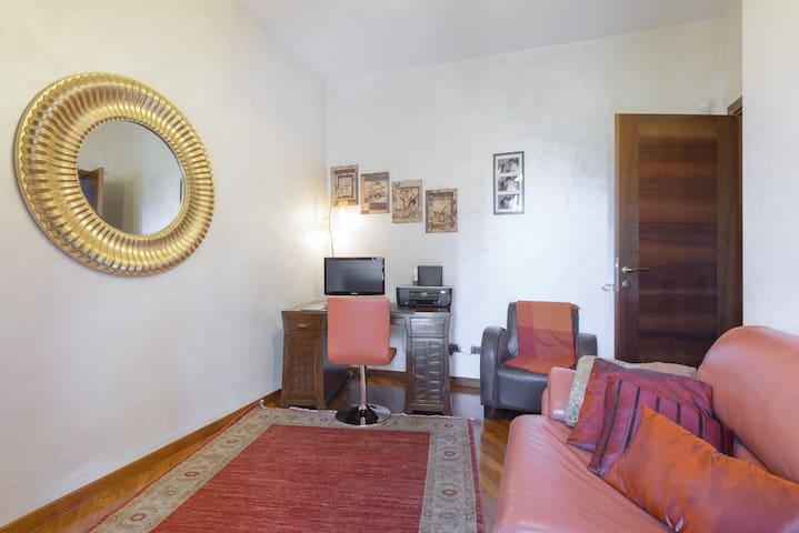 Accogliente stanza con bagno  - Acilia-Castel Fusano-Ostia Antica - Casa