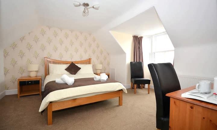 En-suite Double Room, harbour View - Lerwick