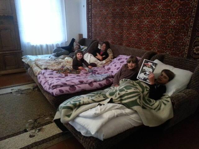 Maka`s Guesthause - Stepantsminda - Bed & Breakfast