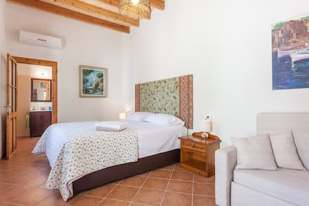 Fantastic room in Mallorca*** - Binissalem