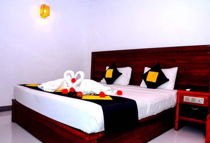 Deluxe Double Room with Garden View at Happy Banana Unawatuna Sri Lanka
