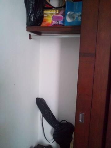 closet para poner agusto su ropa