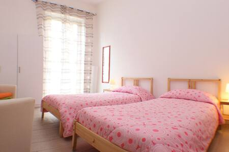 Double/Twin Bedroom near Station - Palermo - Apartment