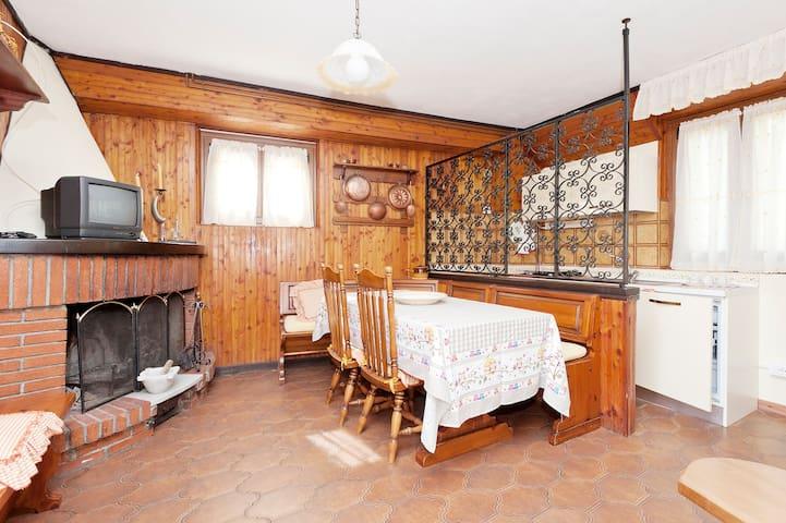 casa comoda vicina alle 5 terre  - Bertogna - Huis
