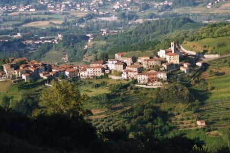 Villa Lucchese del '700 - Trassilico - 公寓
