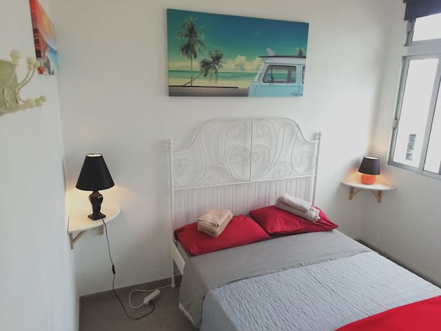 NEW!!TERRACE PRIVATE,NEAR 2 BEACHS,BEAUTY ROOM