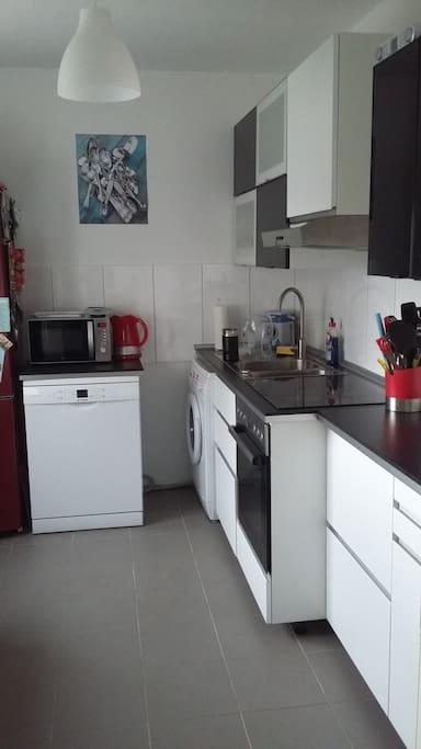 Küche: inkl. Spulmaschine, Waschmaschine