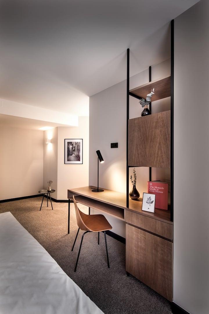 Hotel Domizil Tübingen, (Tübingen), Doppelzimmer mit Dusche und WC