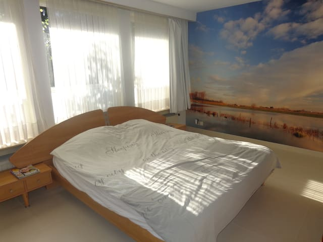 B&B Villa De Keyser Eeklo - Eeklo - Bed & Breakfast