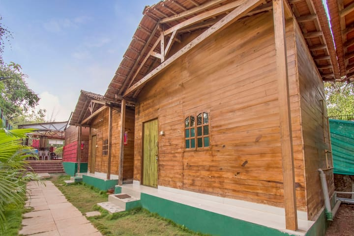 Rustic cottage for 3, near Arambol Beach/74122