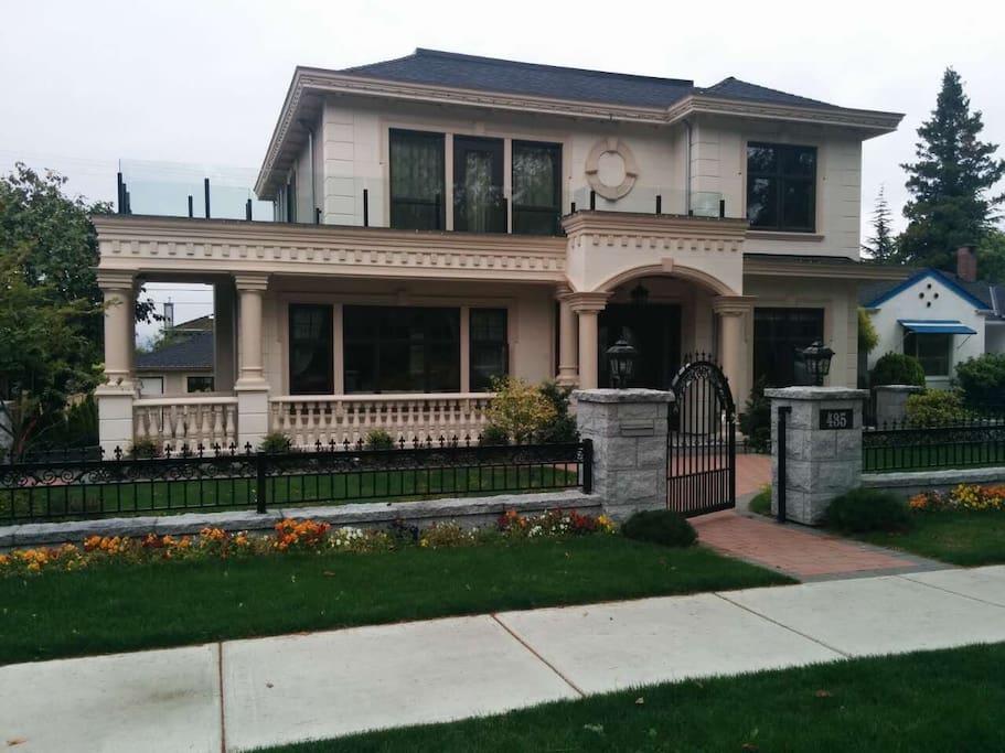Queen Elizabeth Park 2 Bedroom Bedroom Suite Houses For Rent In Vancouver British Columbia