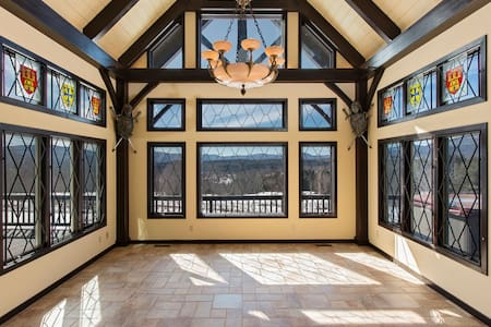 35 Acre Estate, 5 Bed, 3.5 Baths - Jewett