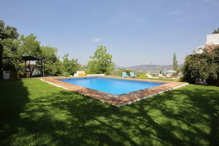Casa Rural  a 3 minutos de Ronda / Villa en Ronda - Ronda