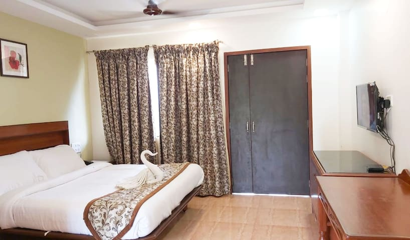 Valley Side Fascinating Private Room,Mahabaleshwar