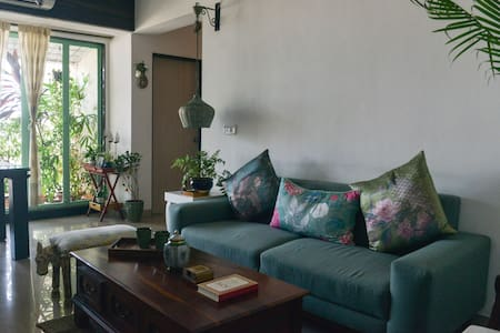 A private room in khar/Bandra west