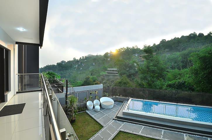 Villa With Pool Dago M-59