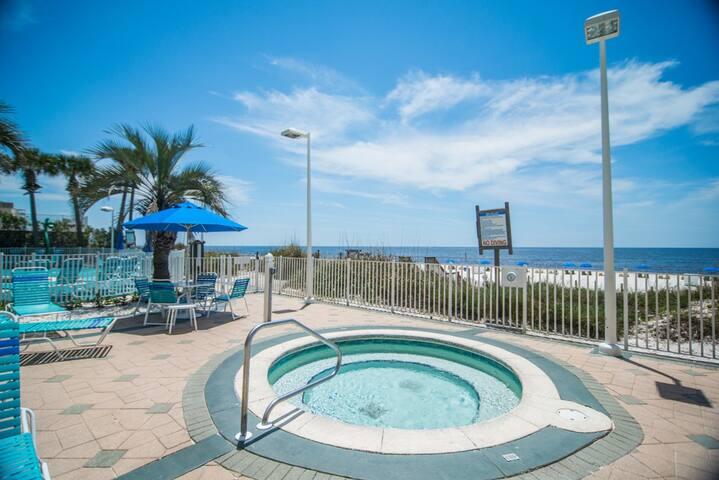 Boardwalk 1405, 1 Bedroom, Pool, Beach Front, Sleeps 4