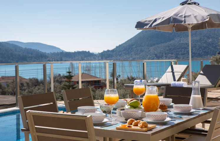 -10%:Brand New Luxury Villa Crystal with a beautiful view of Vlicho Bay!