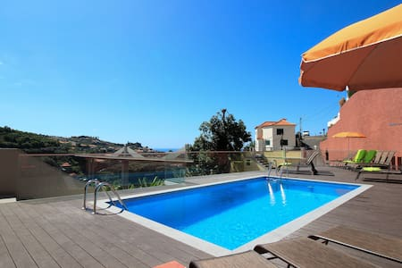 Villas Quinta da Lapa 2. Flat C. Heated pool. WiFi