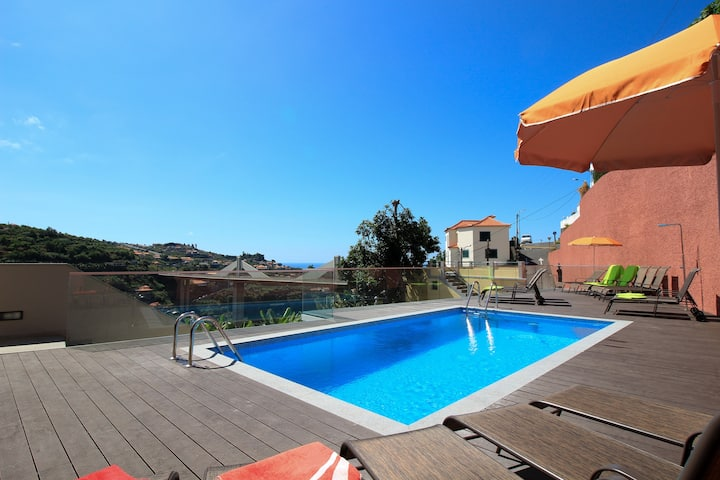 Villas Quinta da Lapa . Flat C. Heated pool. WiFi