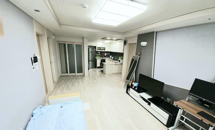 주안역과 1분  역세권아파트!!!   서울과 인천공항가기 편한 숙소입니다.