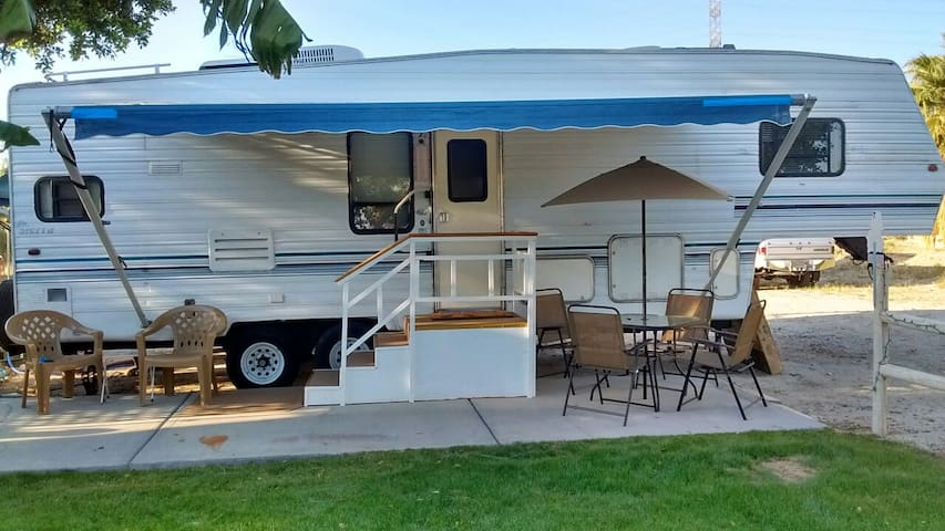 CLEAN & COZY R.V. TRAILER NEAR COACHELLA FEST, HIT - Mecca - Camping-car/caravane