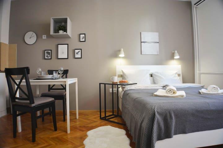 Sofi Apartment