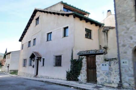 La Casita - Torrecaballeros - House