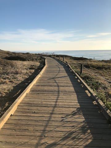 Boardwalk at Moonstone Beach (pic2)
