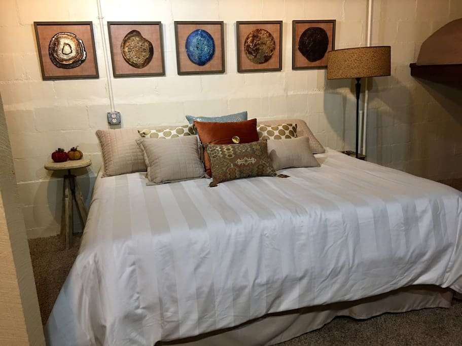 """Master bedroom includes King bed and twin loft bed, 55"""" flat screen TV with Netflix, Hulu & lots of other channels. Laundry nook with washer & dryer, ironing board, etc."""