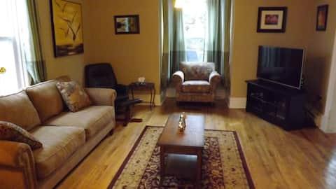 """Chickadee Manor"", one bedroom private apartment."