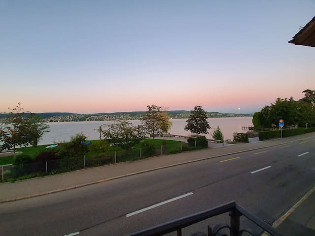 Zurich lake: Private room for 2 in ruschlikon