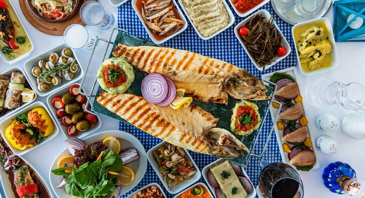 Enjoy amazing seafood with Raki or Wine!
