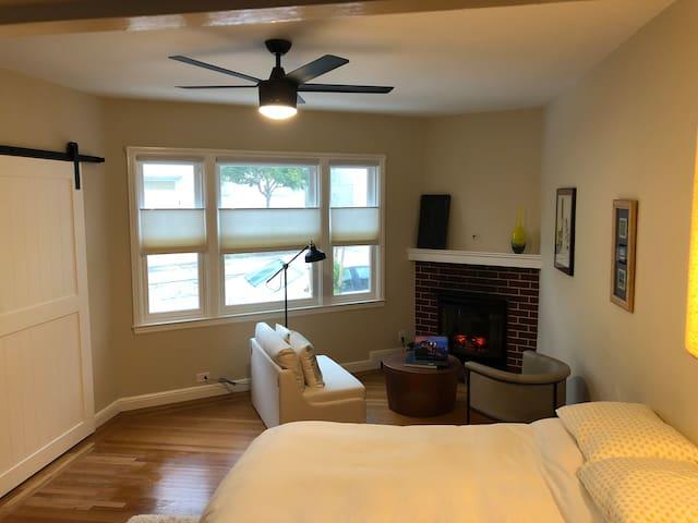 Cozy Junior One Bedroom in Glen Park