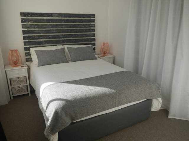 Absolute Central Brighton with Free Parking - Brighton
