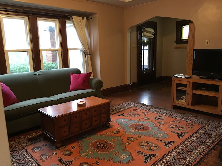 Beautiful Bungalow In Milwaukee Riverwest Apartments For