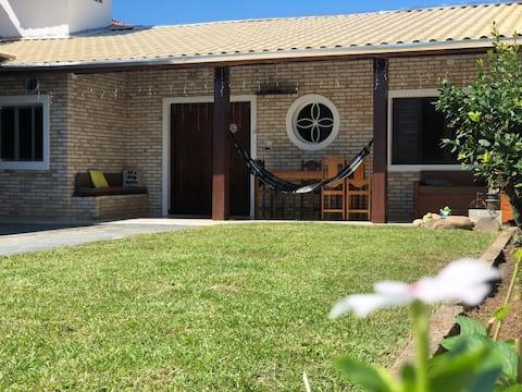 Casa melhor Bairro de Caraguá,4 quadras da Praia