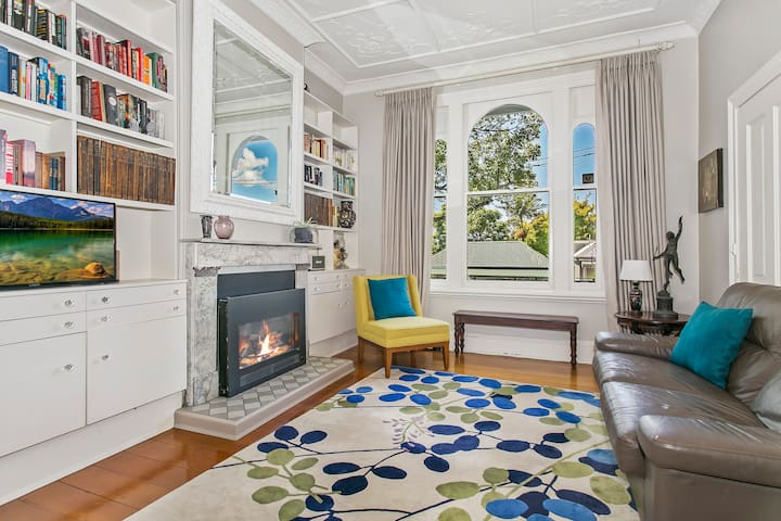 Large, stylish family-friendly Victorian terrace