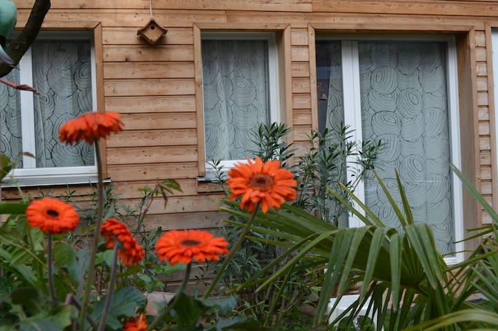 Appartement indépendant dans un Jardin