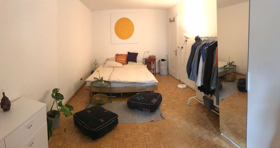 Big room in central shared flat
