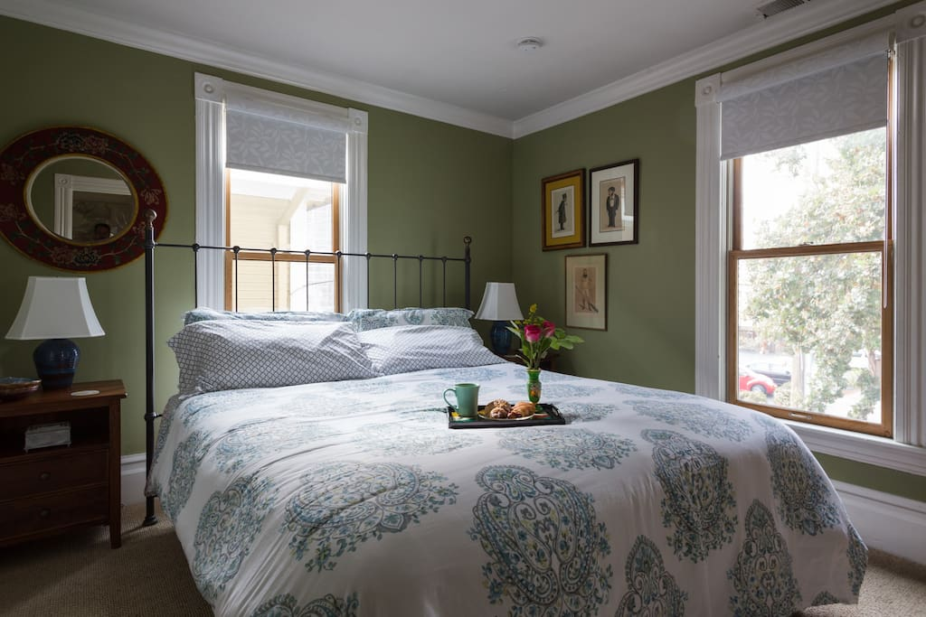 King sized bed with quality linens.  Clean, filled with art, quiet.