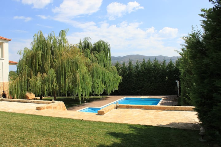 Family Friendly Villa with Outdoor Pool