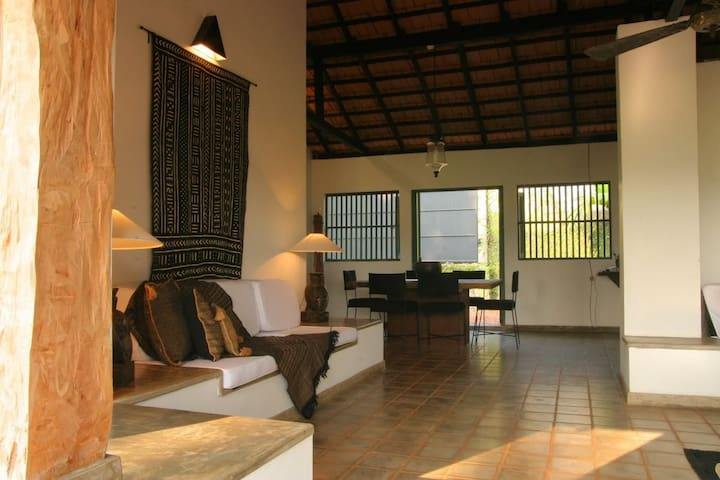 ENTIRE HOLIDAY HOME NEAR SRI JAYAWADENEPURA -KOTTE - Colombo - Chalet
