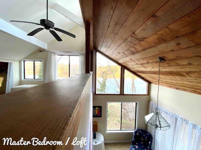 Loft / Living room